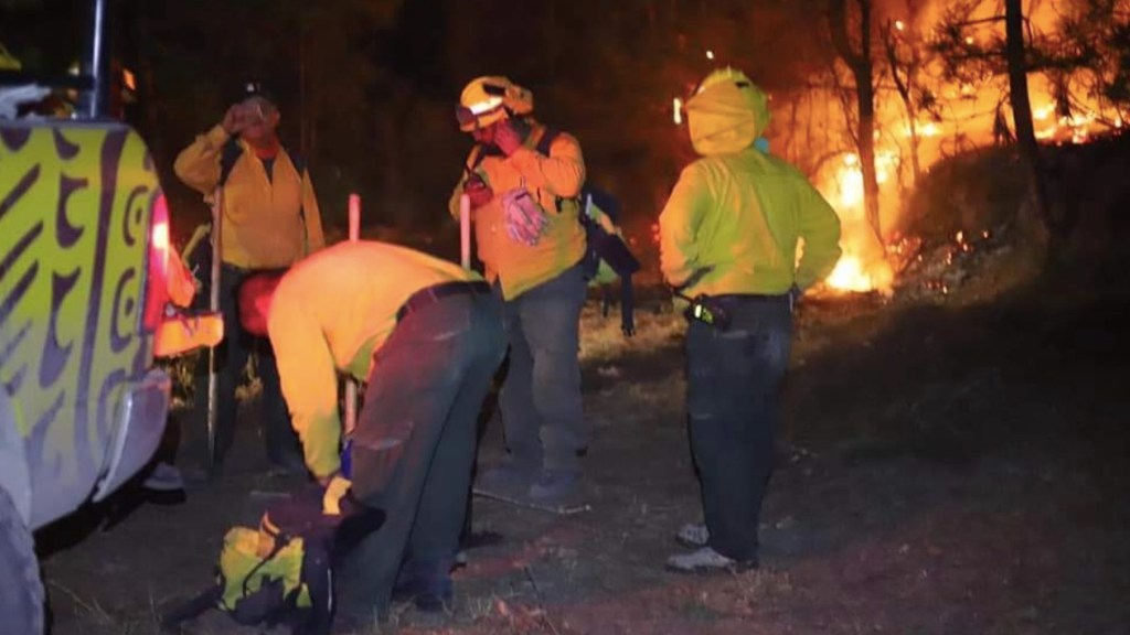 Incendio en la sierra de Coahuila y Nuevo León continúa sin ser controlado; suman avión al combate del fuego - Incendio en Nuevo León. Foto de Protección Civil Nuevo León