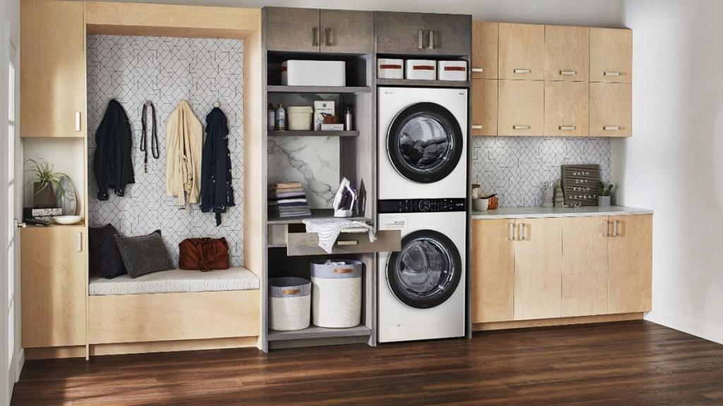Presentan una lavadora con inteligencia artificial - Interior de un hogar