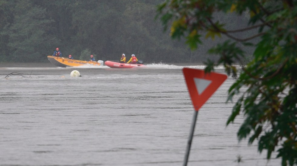 Inundaciones en Australia dejan al menos un muerto; continúan los desalojos por desbordamientos de ríos - El Ejército se sumó a las tareas de rescate luego de las intensas inundaciones en Australia. Foto de EFE