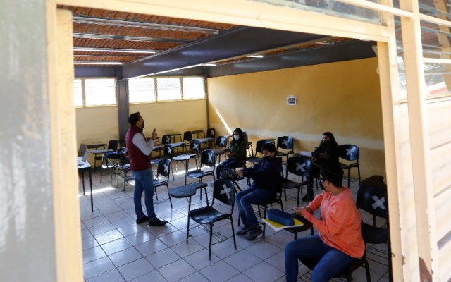 Estoy a favor del regreso a clases; repunte de casos no debe ser pretexto: AMLO - Jalisco Zapopan clases presenciales escuelas escuela