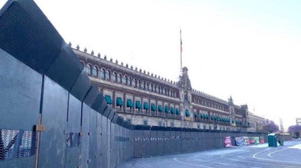 Blindan Palacio Nacional previo a marcha por el 8M - Palacio Nacional. Foto @Martha_Tagle.