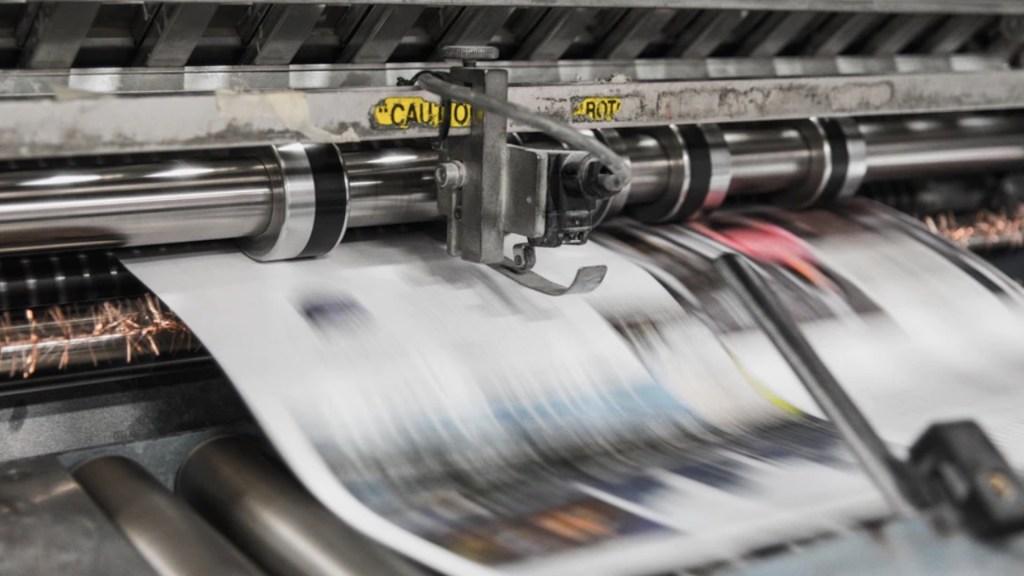 Pandemia provocó el cierre de 60 periódicos en Estados Unidos - Foto de Bank Phrom @bank_phrom