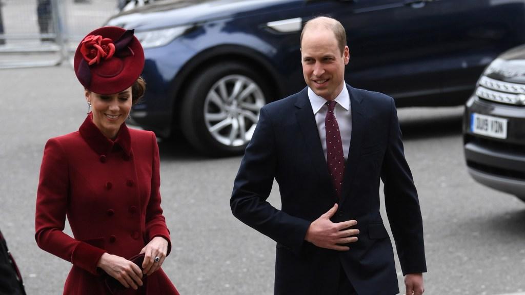 """""""No somos una familia racista"""", afirma el príncipe Guillermo - Príncipe Guillermo con su esposa Kate Middleton. Foto de EFE"""