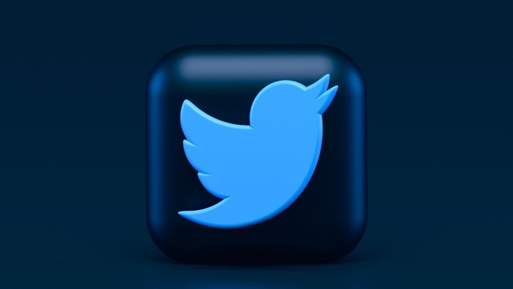 Rusia multa con 116 mil dólares a Twitter por no eliminar contenidos - twitter