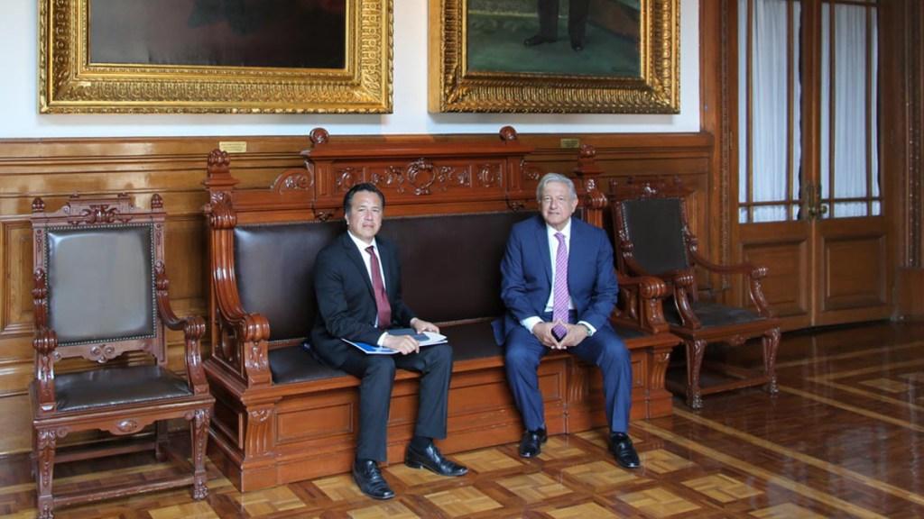 López Obrador recibe en Palacio Nacional a gobernador de Veracruz - Reunión de López Obrador con Cuitláhuac García en Palacio Nacional. Foto de lopezobrador.org.mx
