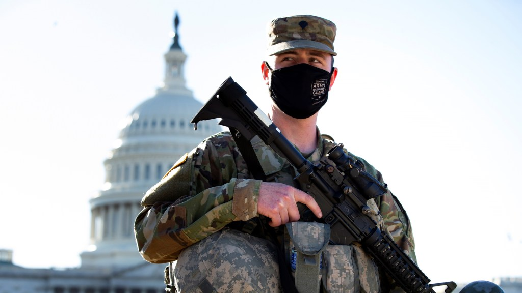 Pentágono de EE.UU. aprueba extender militarización del capitolio hasta el 23 de mayo - Seguridad alrededor del Capitolio de EE.UU. Foto de EFE