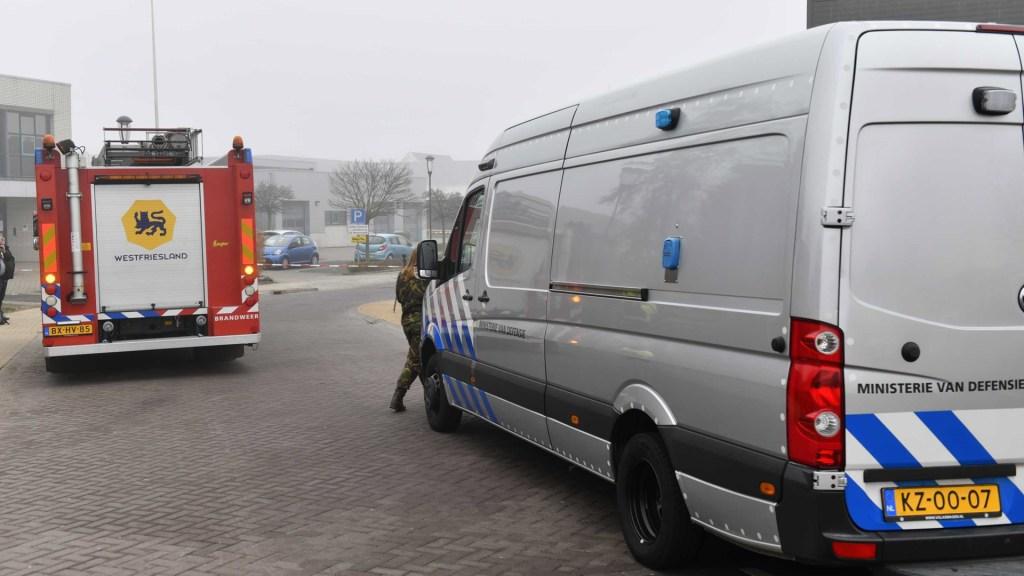 Estalla explosivo en centro de pruebas COVID-19 en Holanda - Servicios de emergencia de Holanda del Norte en centro de pruebas COVID-19 por explosión. Foto de EFE