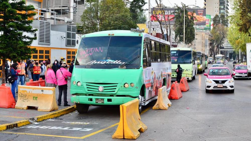 Amenazan concesionarios de transporte público con bloqueos en CDMX para el 10 de marzo - Foto de Claudia Sheinbaum