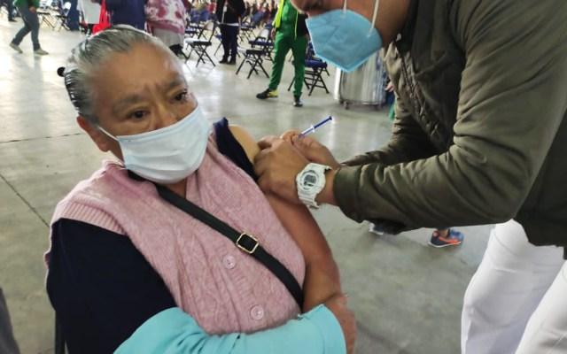 Coyoacán y Tlalpan, las próximas alcaldías donde adultos mayores recibirán vacuna contra COVID-19 - Vacunación contra COVID-19 de adultos mayores en la Ciudad de México. Foto de @Claudiashein
