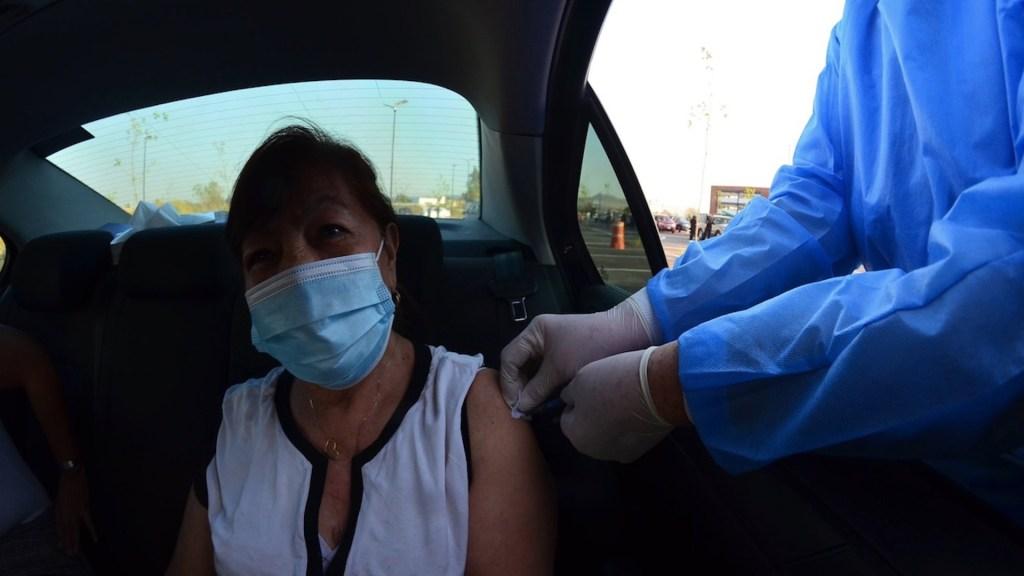 Inicia vacunación contra COVID-19 desde automóviles en México - Foto de Secretaría de Salud de Jalisco