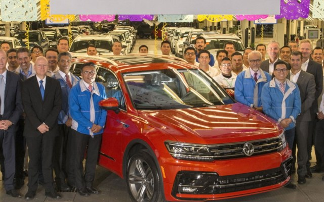 Volkswagen de México alcanza récord de 13 millones de vehículos producidos en planta de Puebla - Volkswagen