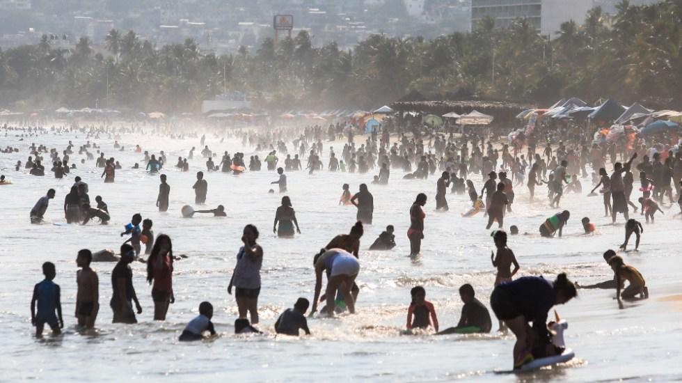 """AMLO confía en que """"no será lo mismo"""" contagios tras Semana Santa - Acapulco Semana Santa coronavirus covid Mexico pandemia"""