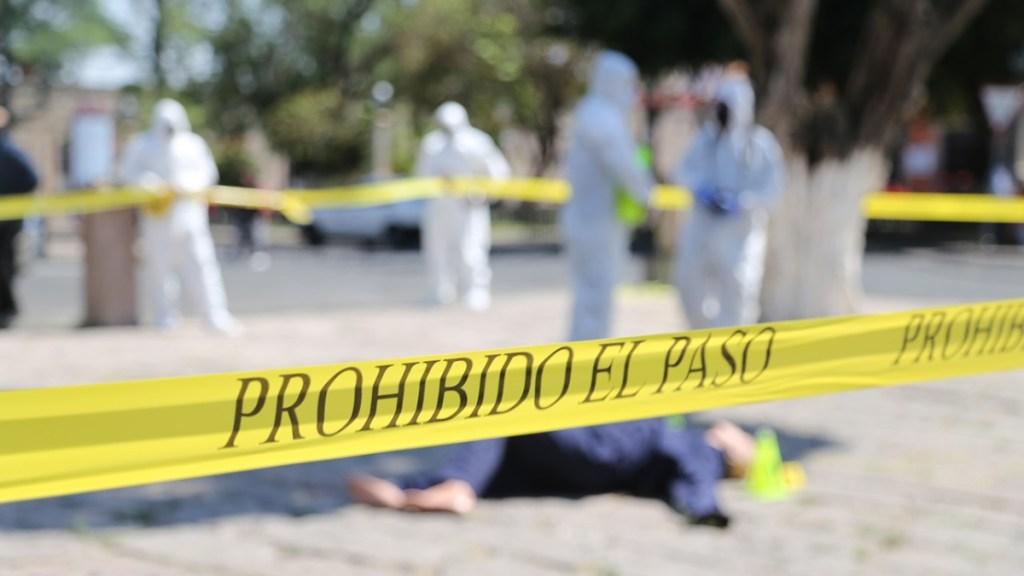 Asesinan a ocho hombres en Aguililla, Michoacán; presumen enfrentamiento entre cárteles - Simulacro en Michoacán de aseguramiento de escena por muerte de persona. Foto de @FiscaliaMich