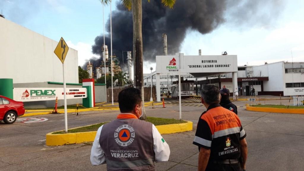 Controlado el incendio en refinería de Minatitlán; hay siete heridos, uno con quemaduras - Incendio Minatitlán Veracruz refinería 2