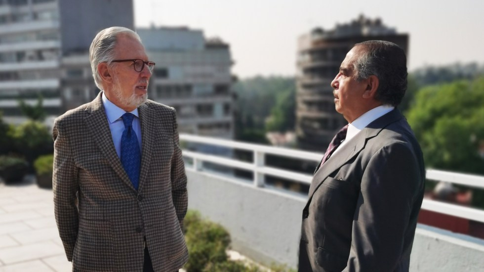 Dos personajes se sientan a ver la vida y contarla en 'Joaquín, Marín, de do pingüé' - Joaquín López-Dóriga y Carlos Marín