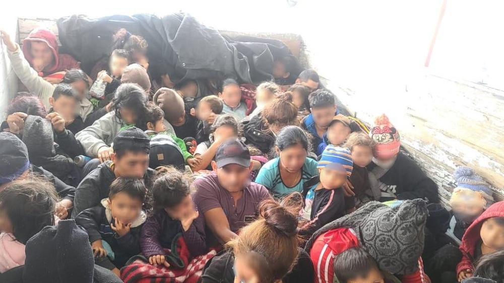Rescatan a 33 menores de edad y 28 adultos migrantes en Nuevo León - Migrantes China Nuevo Leon INM