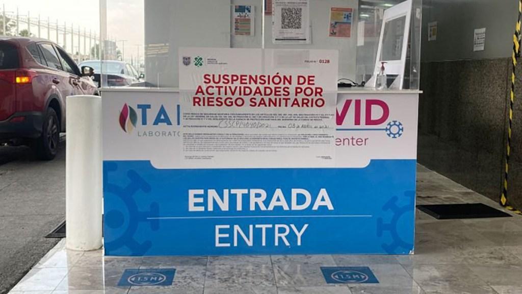 Suspenden módulo de pruebas COVID-19 en AICM por riesgo sanitario - Módulo suspendido de Laboratorio Médico Tadeo en el AICM. Foto de Mexicanos contra la Corrupción