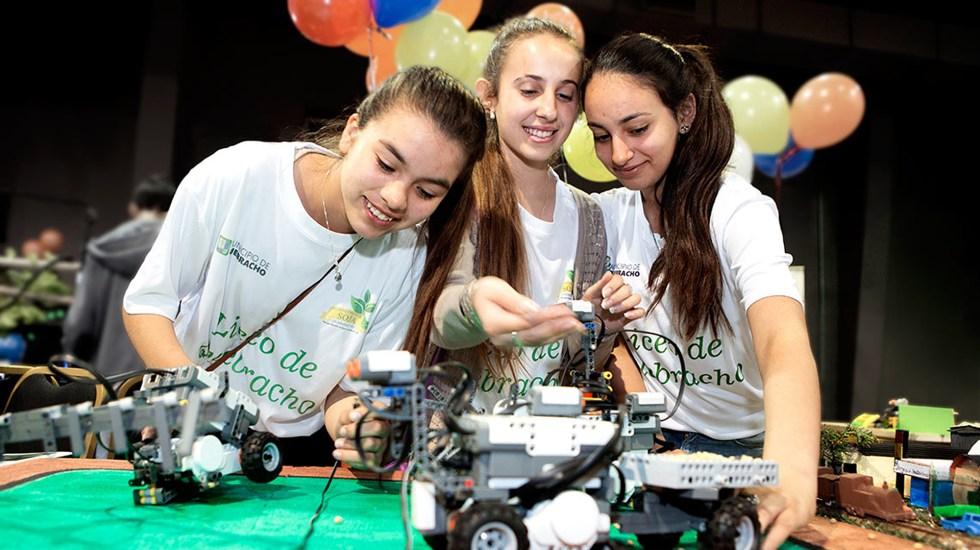 Éxitos de mujeres en TIC atraen a más niñas a la tecnología o ciencias - Niñas en Tecnologías de la Información y la Comunicación (TIC). Foto de UNAM