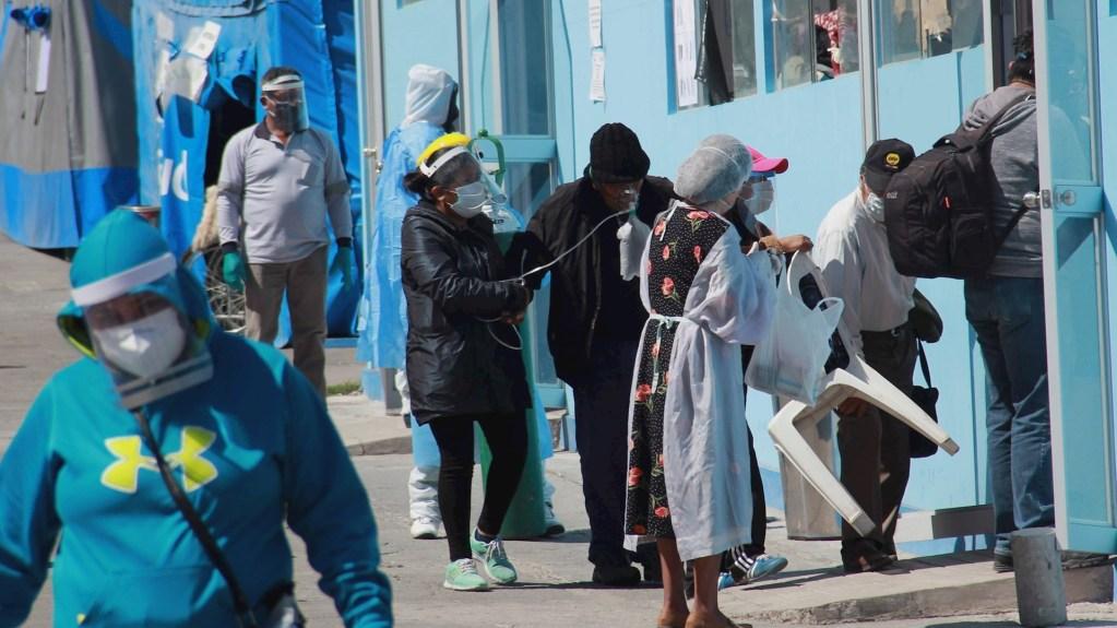 Doce muertos por COVID-19 en hospital peruano desabastecido de oxígeno - Doce muertos en un hospital del norte peruano que quedó desabastecido de oxígeno. Foto de EFE/Jorge Esquivel/Archivo.