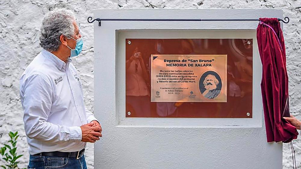 Develan placa dedicada a Karl Marx en Xalapa, Veracruz - placa Marx Veracruz Xlapa