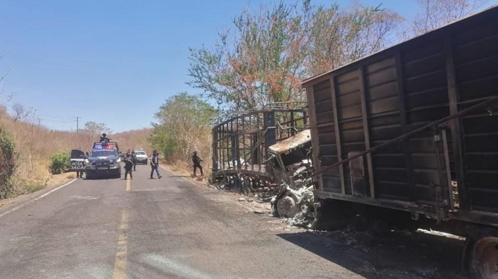 SSP Michoacán restablece tránsito hacia Aguililla - Policía de Michoacán libera el tránsito hacia Aguililla. Foto de Quadratín