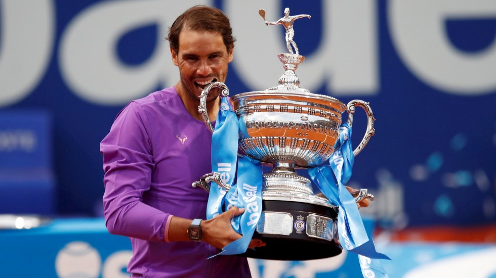 Rafael Nadal vuelve a reinar en Barcelona tras épica final con Tsitsipas - Rafael Nadal tenis campeonato