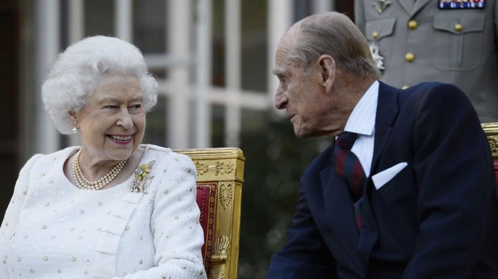 La muerte del príncipe Felipe deja un 'enorme vacío' para la reina Isabel II: príncipe Andrés - Reina Isabel II y el príncipe Felipe. Foto de Familia Real