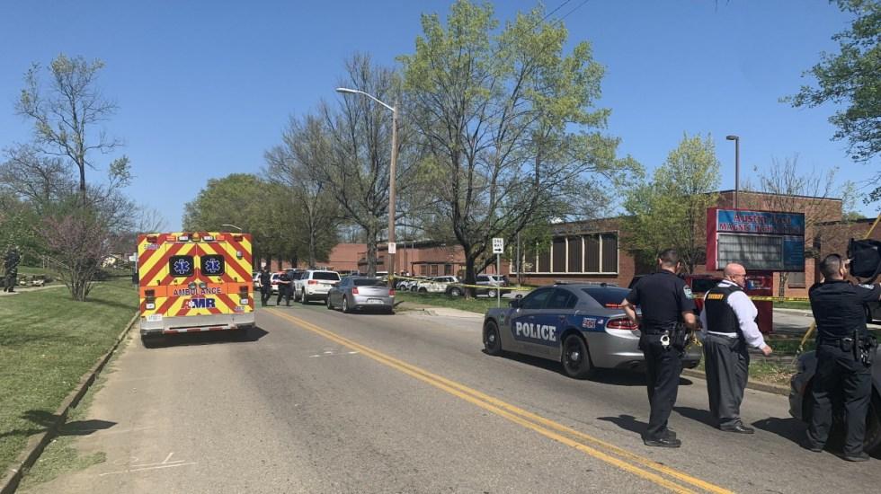 Tiroteo en Knoxville deja varios lesionados, entre ellos un policía - Tiroteo Knoxville Tennessee