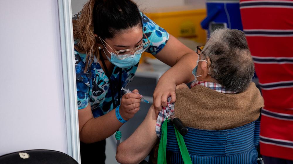 El 50% de la población objetivo ya fue vacunada con la primera dosis — Coronavirus en Chile