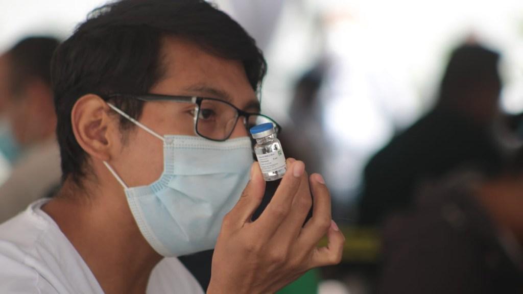 Ciudad de México iniciará vacunación de maestros el 19 de mayo - Vacunación contra COVID-19 en la Ciudad de México. Foto de @SSaludCdMx