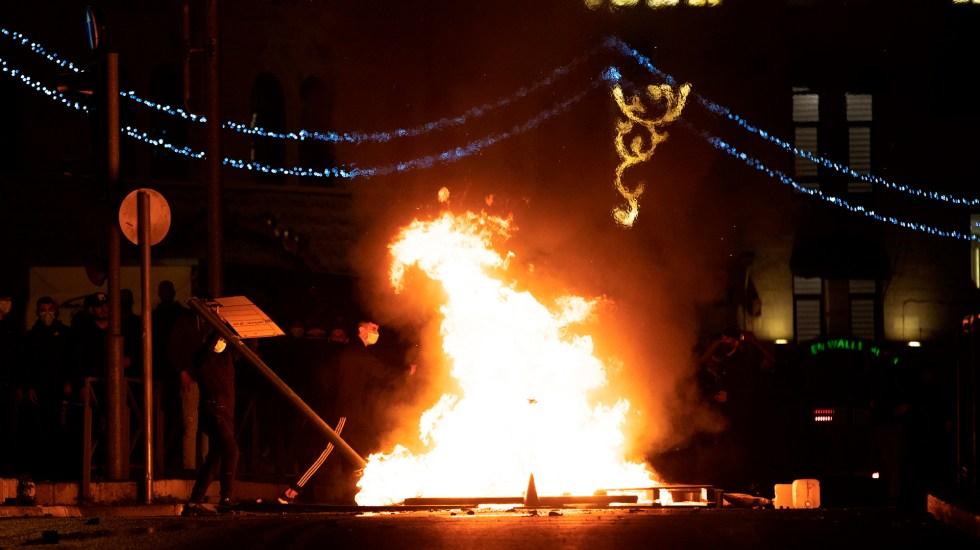 Jerusalén, escenario de creciente violencia entre israelíes y palestinos - Violencia por protestas en Jerusalén. Foto de EFE