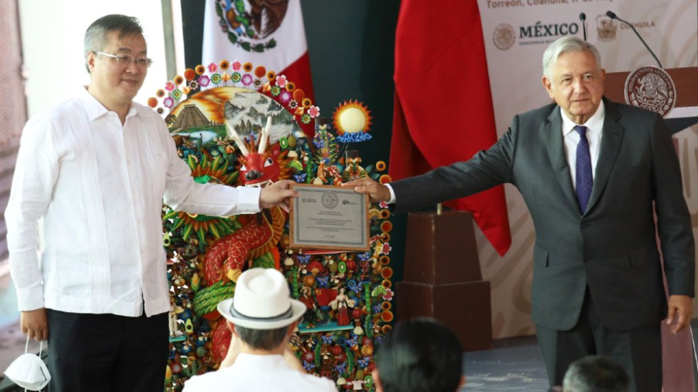 López Obrador agradece a China su ayuda durante la pandemia - AMLO Lopez Obrador Zhu Qingqiao China