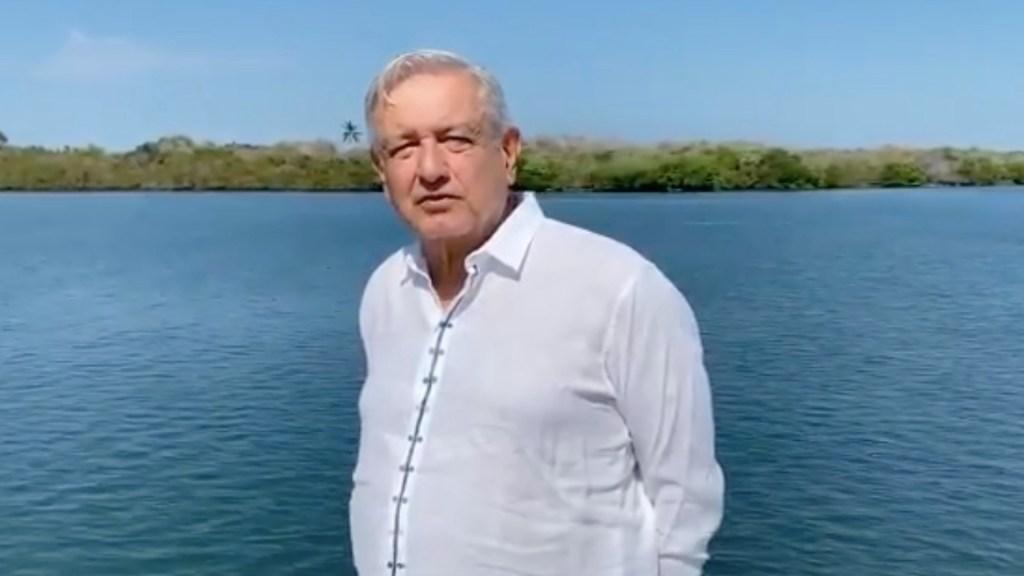Maestros son parte fundamental de la vida pública de México, asegura López Obrador - Foto tomada de video