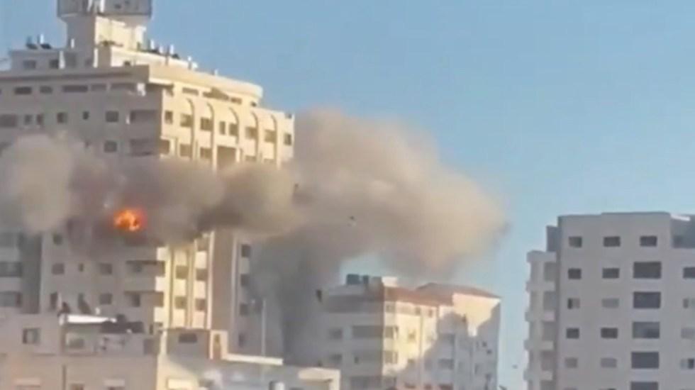 #Video Aviones israelíes destruyen torre Mushtaha en Gaza - Derrumbe de la Torre Mushtaha en Gaza. Foto tomada de video
