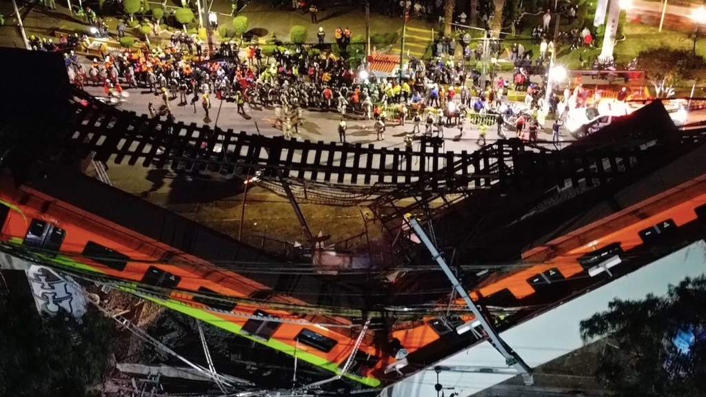 Al menos 20 muertos por desplome de trabe en la Línea 12 del Metro. Foto de EFE