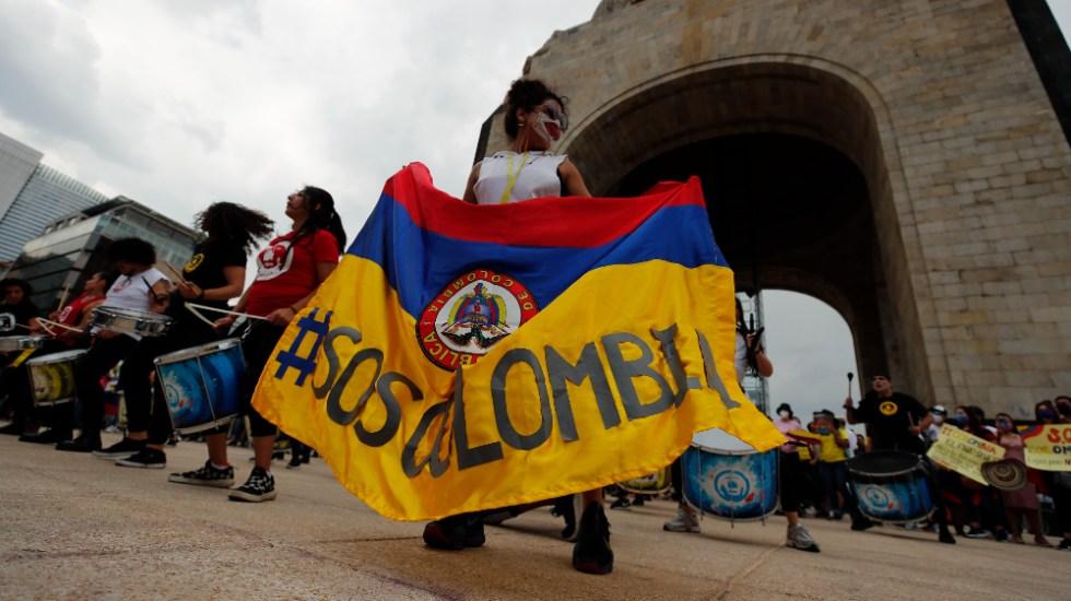 """Colombianos protestan en CDMX contra la """"represión"""" en su país - colombianos protesta CDMX Colombia"""