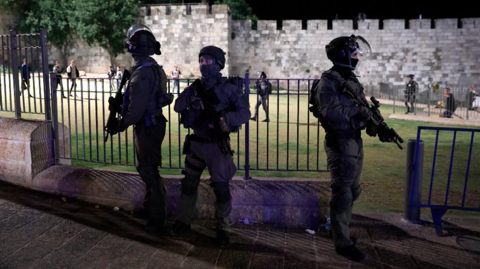 Jerusalén vuelve a ser el foco de tensión entre palestinos e israelíes - Jerusalen Israel Palestina policias tensión