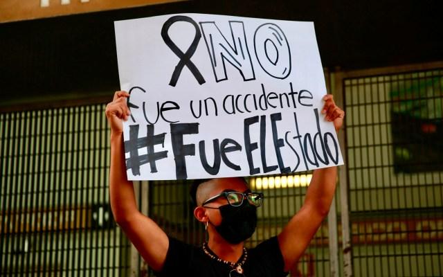 Morena rechaza crear comisión de seguimiento sobre colapso en Línea 12 del Metro - Manfiestación contra autoridades capitalinas y federales por colapso en Línea 12 del Metro. Foto de EFE