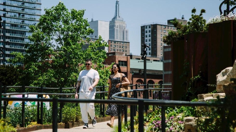 Nueva York abre Little Island, oasis flotante financiado por magnate - Nueva York Little Island 2