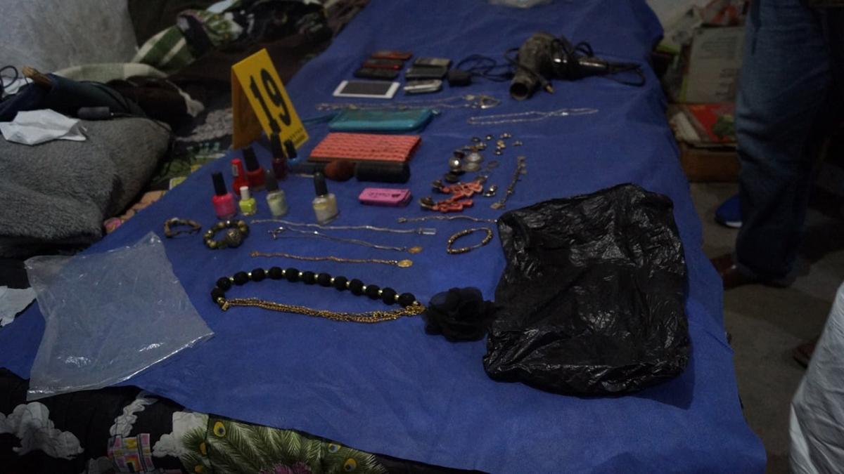 Recuperan más de 4 mil restos óseos en casa de feminicida serial de Atizapán