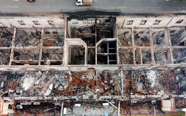 #Video Incendian Palacio de Justicia de Tuluá en nueva jornada de protestas en Colombia - Palacio de Justicia de Tuluá, Colombia, tras ser incendiado en nueva jornada de protestas. Foto de EFE