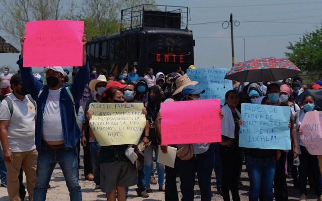 Juez mexicano niega la libertad a 19 estudiantes presos en Chiapas - Exigen liberación de 95 estudiantes encarcelados en sendas marchas en México. Foto de EFE