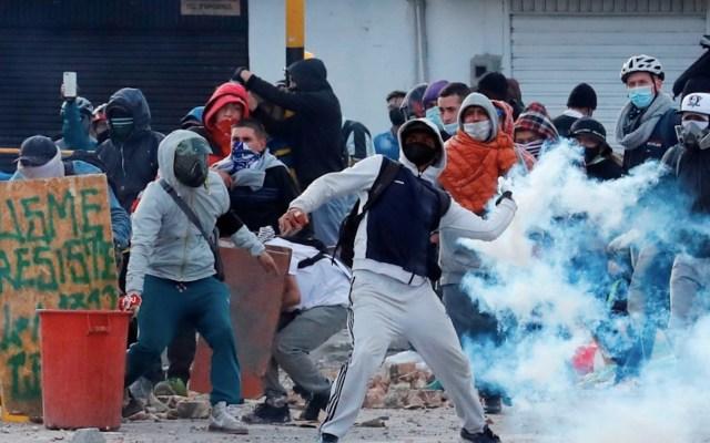 Las protestas en Colombia cumplen un mes teñidas por la violencia - Protestas en Colombia. Foto de EFE