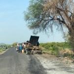 Crece la tensión en Aguililla, Michoacán - Quema camión Aguililla Apatzingán 3