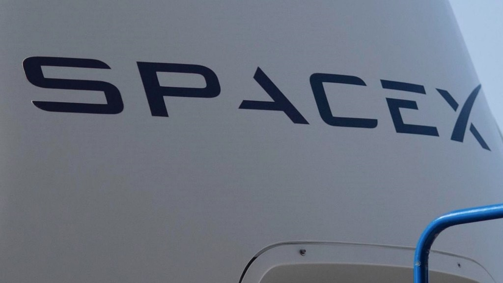 SpaceX lanza al espacio 52 satélites más para su red de internet Starlink - SpaceX lanza al espacio 52 satélites más para su red de internet Starlink. Foto de EFE
