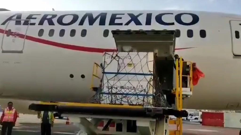 Llegan a México 5.7 millones de dosis a granel de la vacuna de AstraZeneca - Sustancia activa para vacunas contra COVID-19 de AstraZeneca. Captura de pantalla