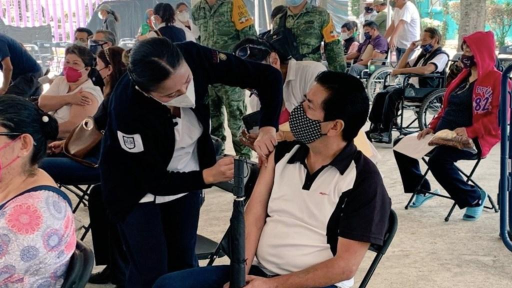 Continuará vacunación de personas de 50 a 59 años en siete alcaldías - Iniciará vacunación de personas de 50 a 59 años en siete alcaldías. Foto de Secretaría de Salud CDMX