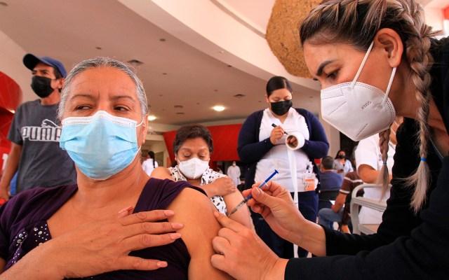 Ritmo de vacunación contra COVID-19 se redujo 26 por ciento tras elecciones - Vacunación contra COVID-19 en México. Foto de EFE