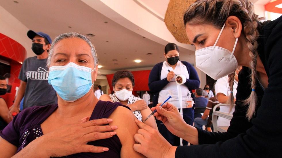 México debe acelerar la vacunación para la recuperación económica: OCDE - Vacunación contra COVID-19 en México. Foto de EFE