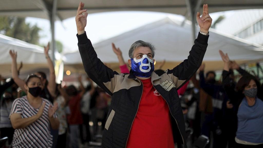 Bailes durante vacunación contra COVID-19 en Ciudad de México se hacen virales - Vacunación COVID-19 Ciudad de México coronavirus Roma